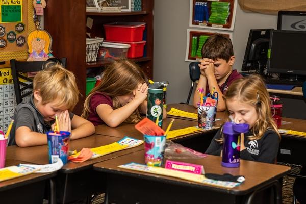 1st Grade Praying
